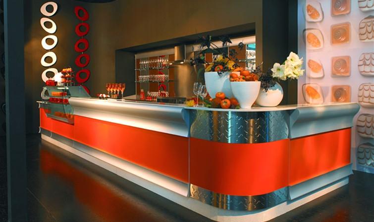 Arredo bar arredamento per bar banconi bar for Arredamento bar usato milano